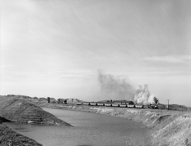 2018.15.N64.2702--ed wilkommen 3x4 neg--Galesburg & Great Eastern--steam locomotive 2-8-0 4 pulling coal loads action--near Victoria IL--no date