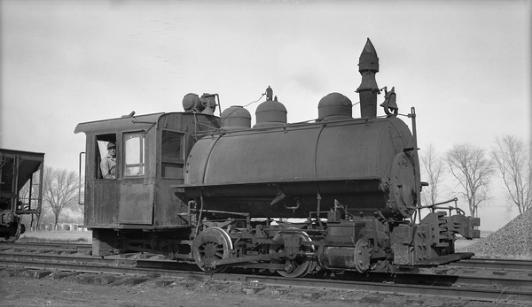 2018.15.N64D.8122--ed wilkommen 116 neg [Henry Bender Jr]--Great Western Sugar Company--steam locomotive 0-4-0T--Ovid CO--1960 0923