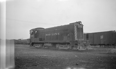 2018.15.N92.7015--ed wilkommen 116 neg--SOO--BLW diesel locomotive 310--Minneapolis MN--1946 0316