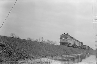 2018.15.N92.7090--ed wilkommen 6x9 neg--SOO--EMD diesel locomotive 2200 on time freight--Duplainville WI--1951 0419