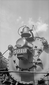 2018.15.N92.7741--ed wilkommen 116 neg--SOO--steam locomotive 4-8-2 N-20 4010 front end close-up detail--location unknown--no date
