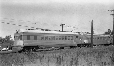 2018.15.N64.2725N--ed wilkommen 116 neg--IT--electric streamliner interurban 302--location unknown--no date