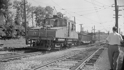 2018.15.N99B.7618--ed wilkommen 116 neg--CNS&M--electric locomotive 456 with freight cars coming off Shoreline route--North Chicago Jct IL--1955 0000
