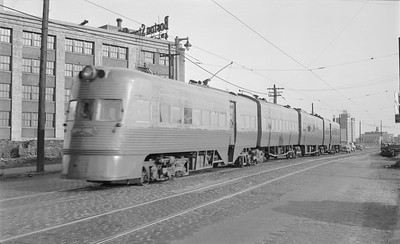 2018.15.N99B.2908--ed wilkommen 116 neg--CNS&M--electric Electroliner on 6th Street viaduct--Milwaukee WI--1957 0312