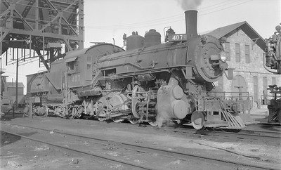 2018.15.N81.6234--ed wilkommen 116 neg--UP--steam locomotive 2-8-0 407--Grand Island NE--1955 0904