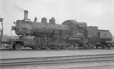2018.15.N81.6233--ed wilkommen 116 neg--UP--steam locomotive 2-8-0 400--Gering NE--1954 0510
