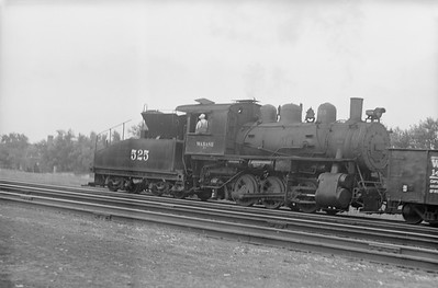 2018.15.N94.7140--ed wilkommen 6x9 neg--WAB--steam locomotive 0-6-0 B-7 525--Chicago IL--no date