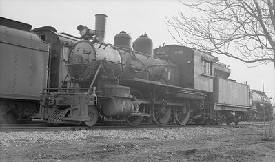 2018.15.N94.7141D--ed wilkommen 116 neg [Stan Mailer]--WAB--steam locomotive 2-6-0 571 (dead)--Decatur IL--1953 0405
