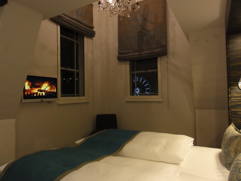 Room 711, Motel One Edinburgh-Royal