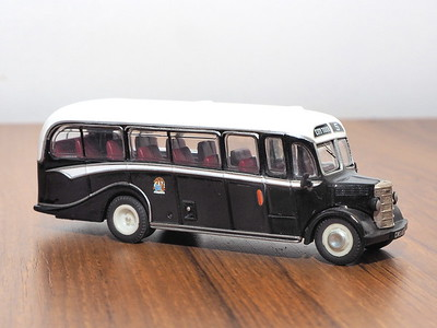 Corgi OOC 42611 Edinburgh Corporation Bedford OB Duple Vista