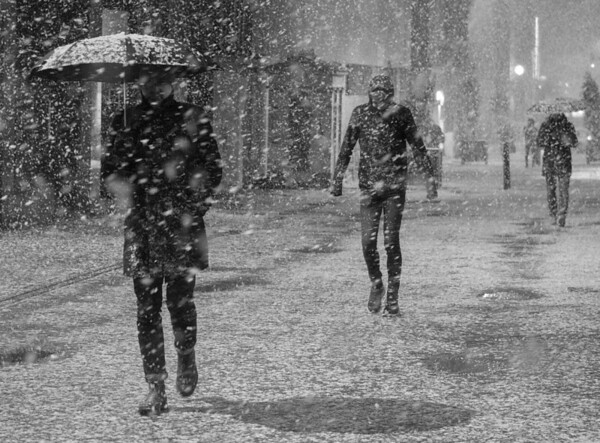 Cold And Snowy, Rose Street, Edinburgh.