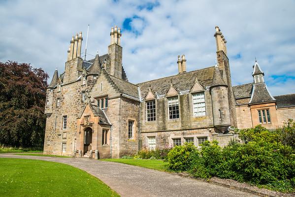 Sunlit Lauriston Castle