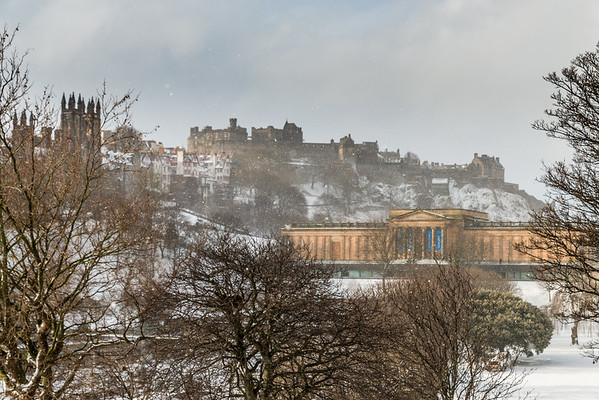 Snowy view of Edinburgh Castle