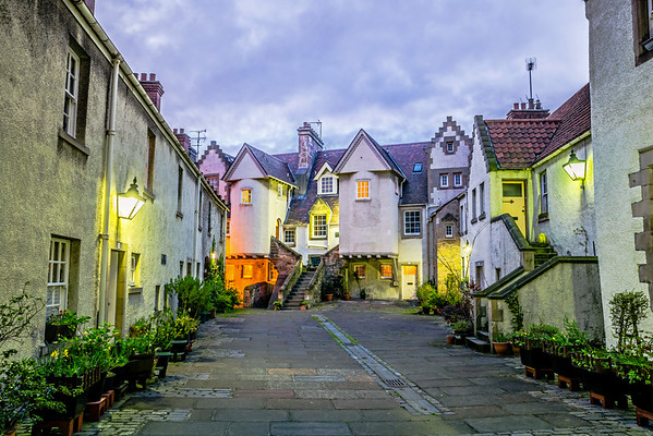 White Horse Close in the evening