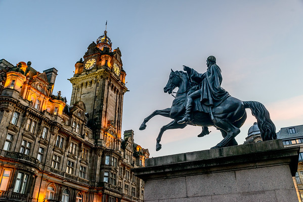 """Look at that!"", Duke of Wellington and the Balmoral"
