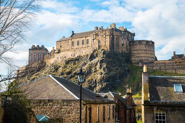 Edinburgh Castle from the Vennel on a sunny day