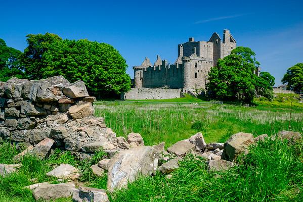 Craigmillar Castle in the Summer