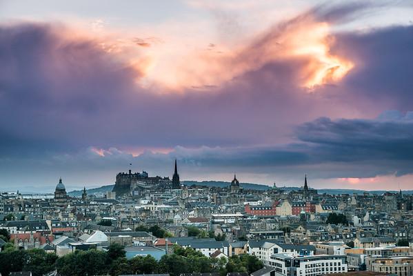 Stormy skies rolling in over Edinburgh Castle