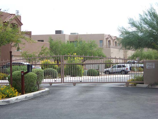 HOA Dual Slide gate with Phone system & operator