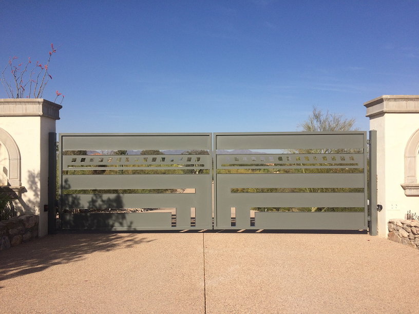 Residential Dual swing gate with operator
