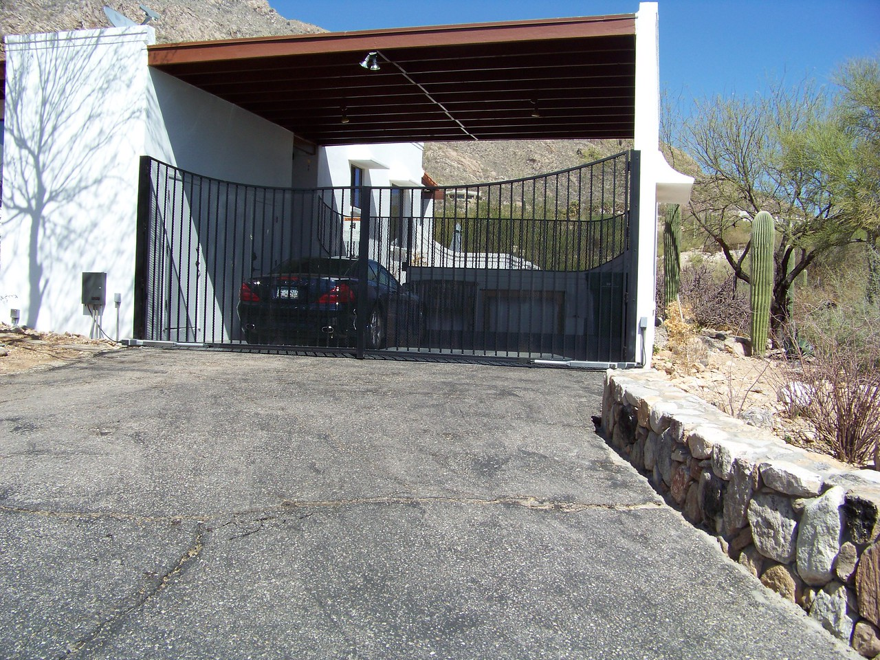 Carport gate with Operator