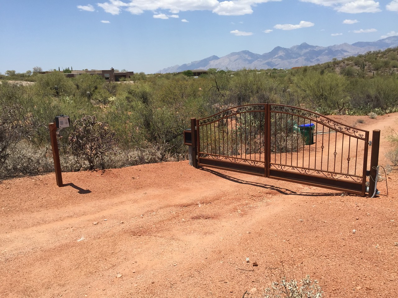 Residential Dual Swing gate with solar powered operator & phone system