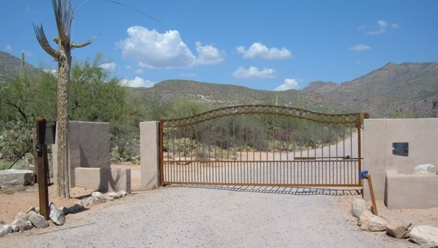 #1 Swing Gate with Operator & Phone System