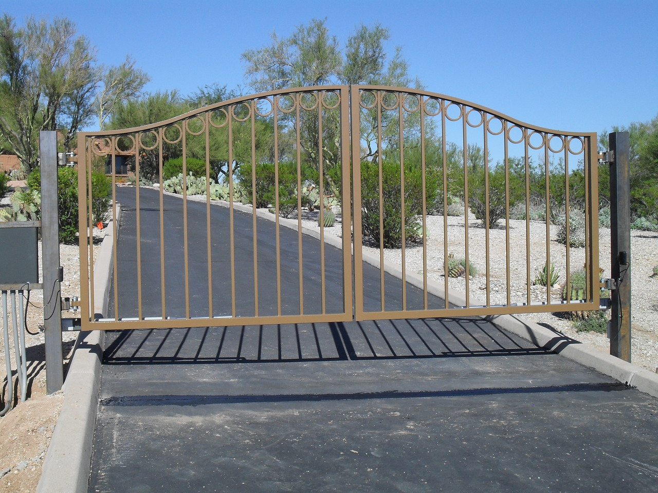 Residential Dual Swing gate with operators