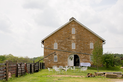 2014-HistoricTaylorBarn-Wedding-003