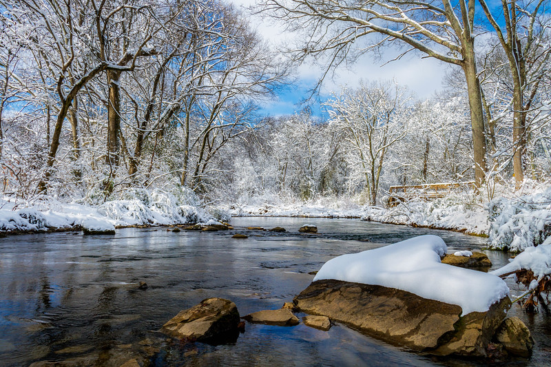 Rock with Snow in Richland Creek