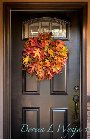 Fall wreath - front door_7382