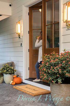 41805 Hypericum x inodorum 'KOLPINOT' FloralBerry Pinot front door_1235