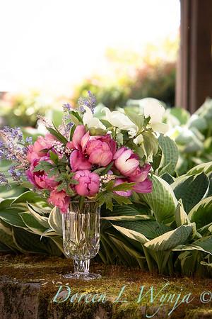 5259 Peaonia x 'Smith Opus 2' Takara - Cornus 'Venus' cut flowers_0944