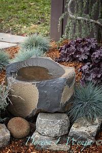 Stone birdbath_9607