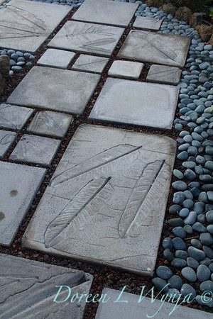 Embossed leaf stepping stones_7043-2