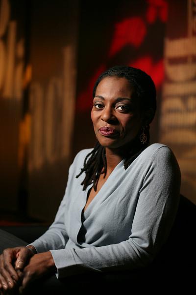 "11/14/07 Brighton, MA -- Portrait of Kim McLarin, WGBH's new host of ""Basic Black"" November 14, 2007.  Erik Jacobs for the Boston Globe"