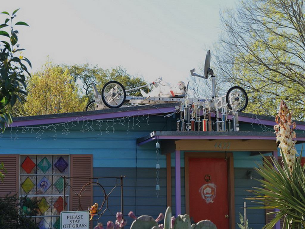 Cathedral of Junk 33