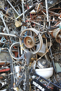 Cathedral of Junk 17
