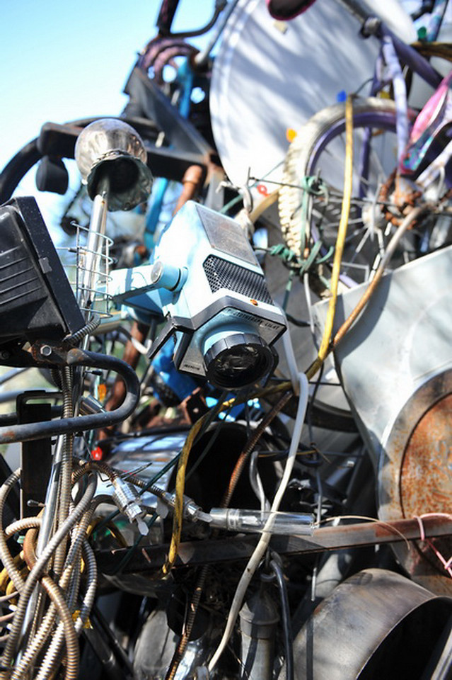 Cathedral of Junk 19