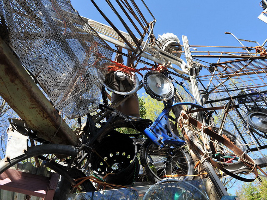 Cathedral of Junk 06
