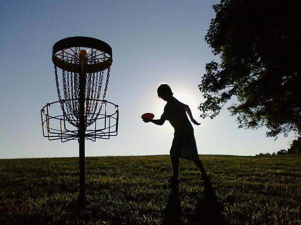 Disc golf silhouette