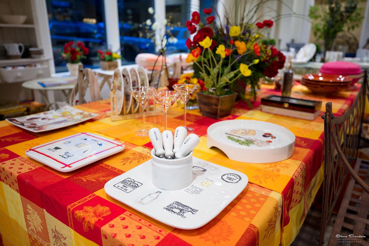 Maison et Cadeaux: Table Setting