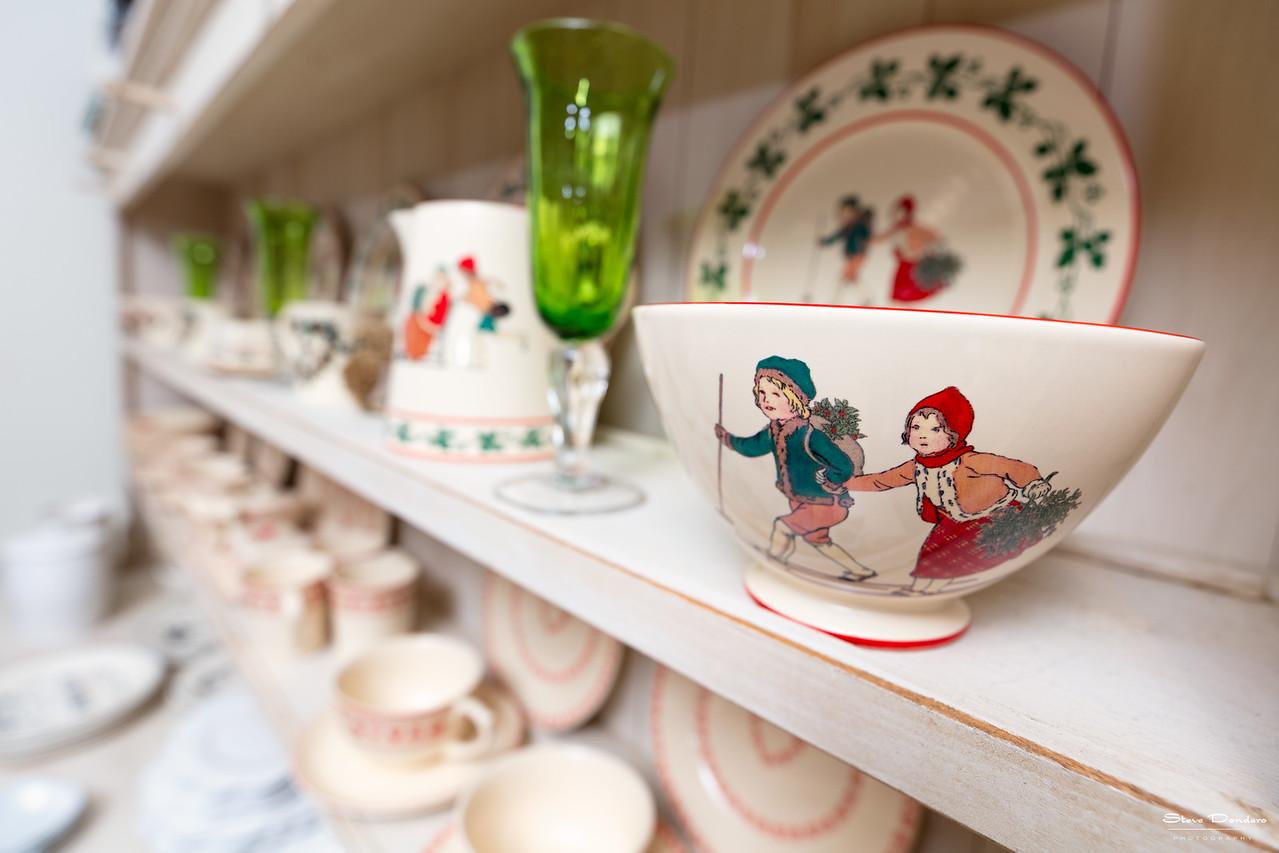 Maison et Cadeaux: Shelf Setting