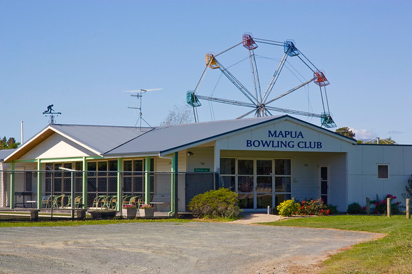 Mapua Easter Fair - Set up Friday 30th March 2018.