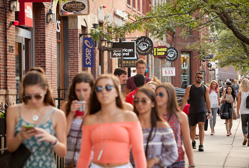 8/25/15 Boston, Mass. -- A scene from Newbury Street in Boston, Mass. August 24, 2015. Erik Jacobs for the New York Times