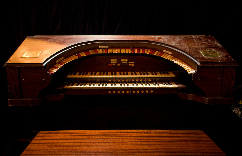 5/2/09 Medford, MA -- The main console of a Wurlitzer theatre organ at the Chevalier Theatre in Medford, Mass. May 2, 2009.  Erik Jacobs for the Dayton Daily News