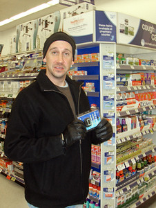 01-05-09 Chris Klinge shopping at Walgreens