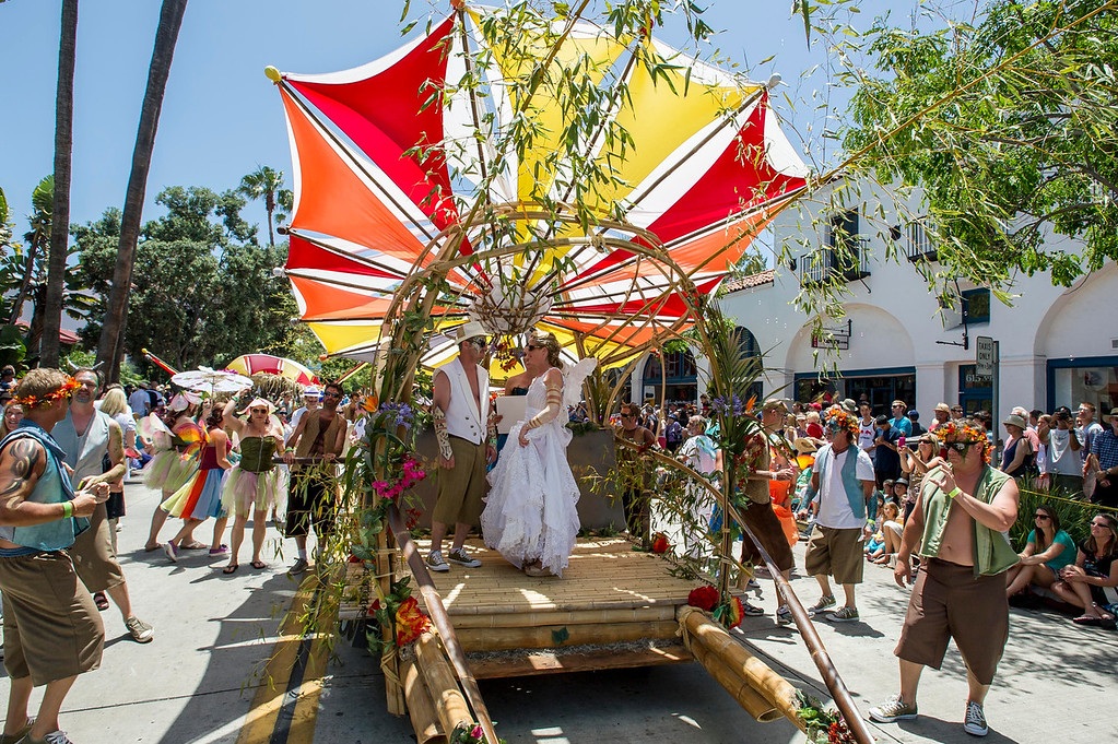 Couple married on float