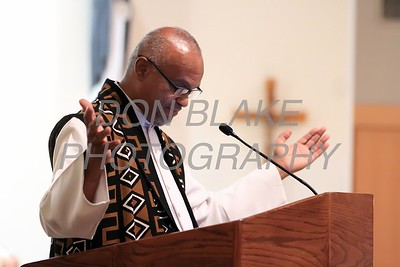 Rev. Dr. Vincent Oliver of New Mt. Calvary Baptist Church gives a sermon during a Community Prayer Service for Justice, Non-Violence, and Respest for Human Dignity at St. Catherine of Siena, Tuesday, January 17, 2017. wwwDonBlakePhotography.com
