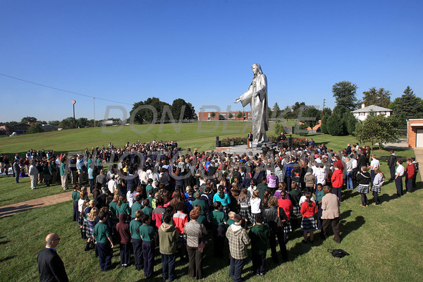 Catholic school students from around the Diocese gather for the Rosary Rally at the Our Lady Queen of Peace statue on the grounds of Holy Spirit Church in New Castle, Del., Friday, October 7, 2011. photo/Don Blake Photography